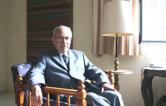 Raúl Mora Lomelí, SJ