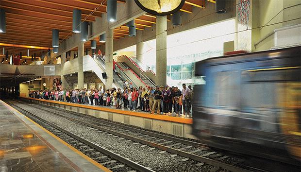 El transporte público en Guadalajara es uno de los grandes pendientes. Foto: Lalis Jiménez