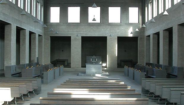 Templo diseñado por el monje Dom Hans Van der Laan.