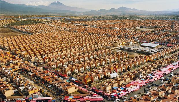 En los últimos años se han construido cerca de 7 millones de casas casi idénticas. Fotos: Livia Corona