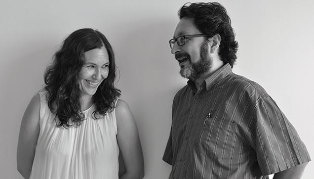 Vivian Abenshushan y Luigi Amara, fundadores de Tumbuna Ediciones. Fotos: Lalis Jiménez
