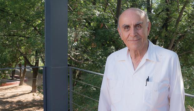 Desde 1976, Esteva se decidió por el camino de la desprofesionalización. Foto: Luis Ponciano