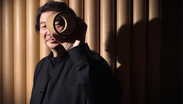 Los tubos de cartón son indispensables en el trabajo de Ban. Foto: AFP