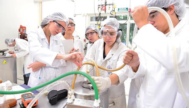 Los nuevos laboratorios se inauguraron a finales de noviembre de 2015. Fotos: Roberto Ornelas