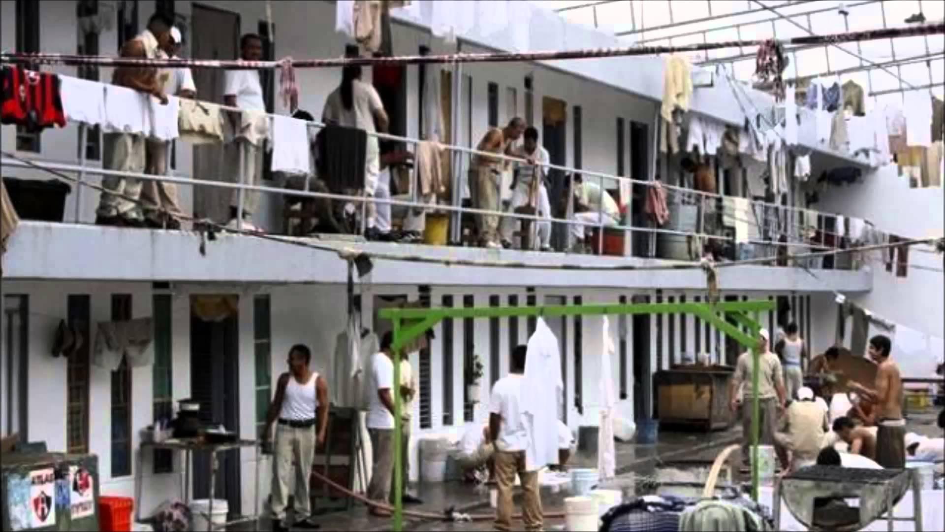 El hacinamiento es una constante en las cárceles del país. Foto: themexicantimes.mx
