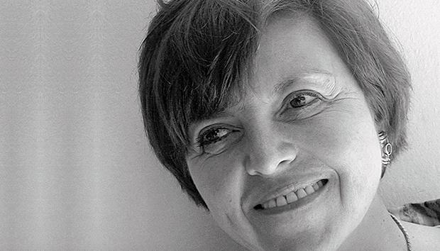 El Fondo de Cultura Económica publicó recién «Poesía completa», de Elsa Cross.