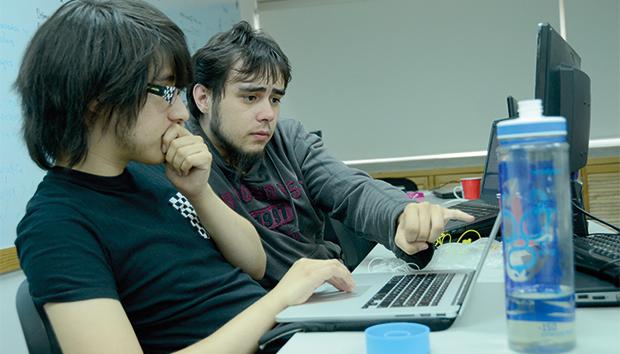 La app se desarrolló en el Laboratorio de Aplicaciones Móviles del ITESO. Fotos: Luis Ponciano