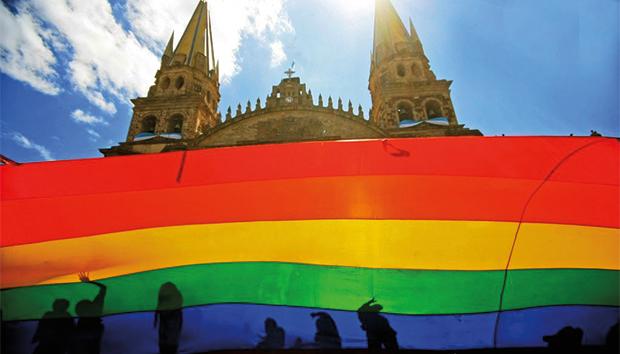 Muchas personas buscan opciones para reconciliar su condición sexual con la religión. Foto: Archivo.