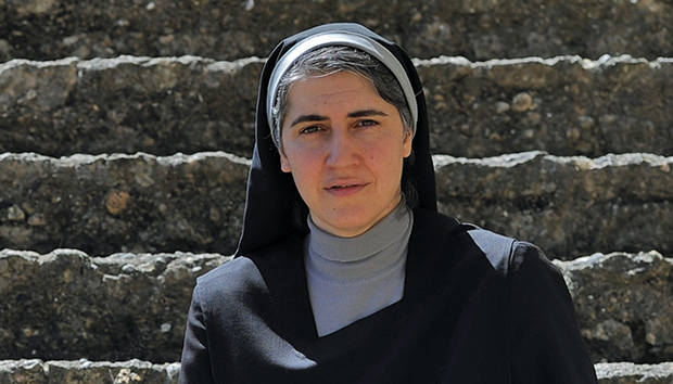 Forcades es autora del libro «La teología feminista en la historia». Foto: AFP