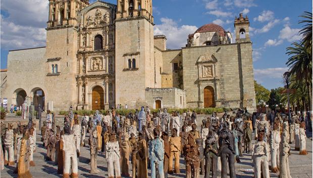 «2,501 Migrantes», en Teococuilco de Marcos Pérez, Oaxaca. Fotos: Galería Alejandro Santiago/Facebook