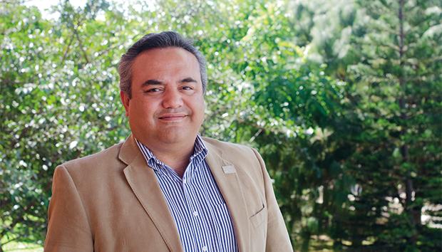 Reyes rediseñó una red de comunicación interna para IBM. Foto: Roberto Ornelas