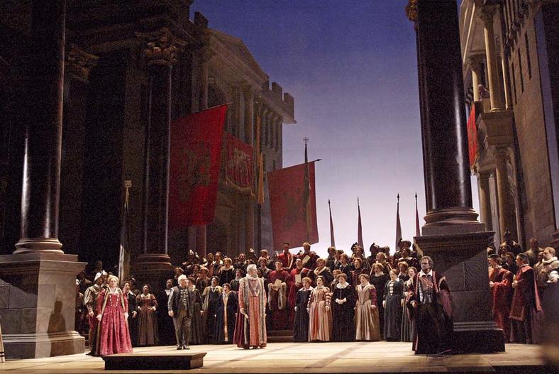 Imagen de una puesta en escena de la ópera «Otelo», de Verdi.