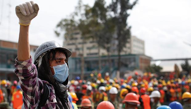 Una vez más, la sociedad civil se organizó rápidamente para enfrentar la contingencia. Foto: AP