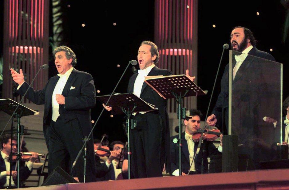 Plácido Domingo, José Carreras y Luciano Pavarotti durante un concierto. Foto: classicfm.com