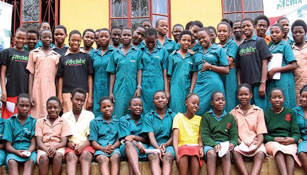 Muthoni está cambiando la vida de muchas mujeres en África. Foto: tuphotos.nsrc.org