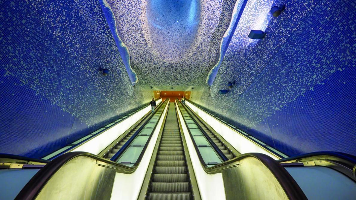 Imagen de la línea 1 del metro de Nápoles. Foto: paradaconfonda.com