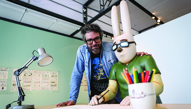 En sus tiras, Liniers se representa a sí mismo como un conejo. Foto: EFE / Ernesto Arias