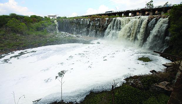 Imagen del río Santiago, catalogado como el más contaminado del país, en El Salto, Jalisco. Foto: EFE/Ulises Ruiz