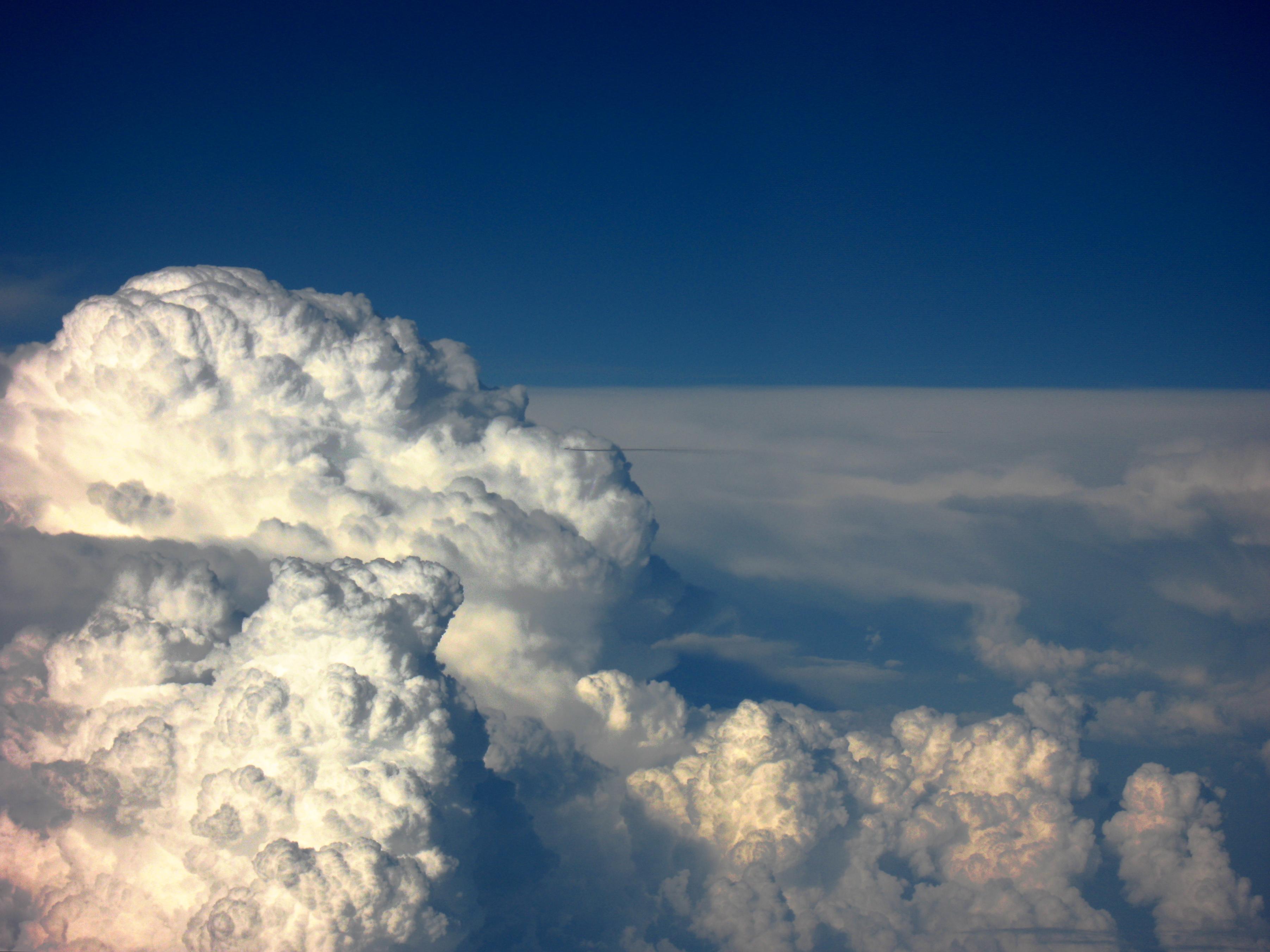 Ejemplo de una nube tipo cumuloninbus. Foto: Wikimedia Commons