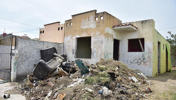 Pequeñas y alejadas de centros laborales, las casas terminan abandonadas. Foto: Gobierno de Tlajomulco